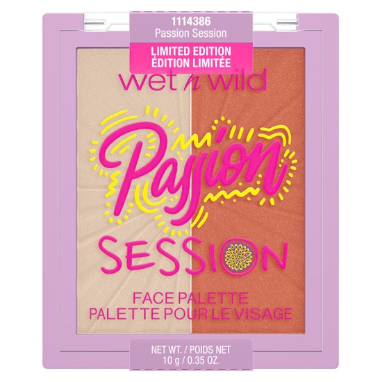 Passion Session Blushlighter Duo   Wet n wild   Product front facing lid closed, with no background